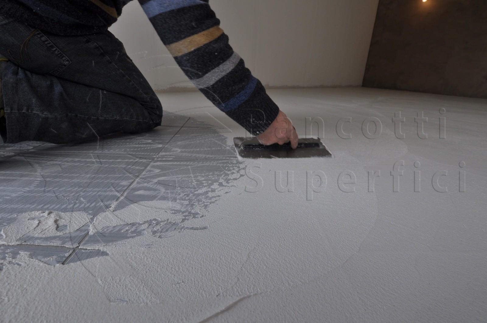 Rinnovare i pavimenti senza demolizioni microcemento